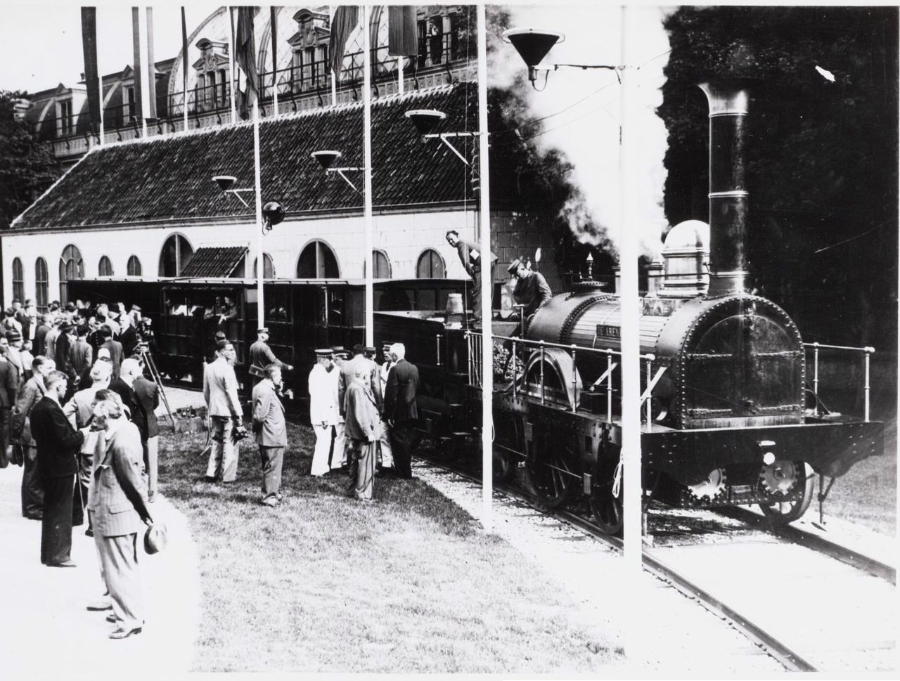 De verfransing van Wezembeek-Oppem kwam per trein